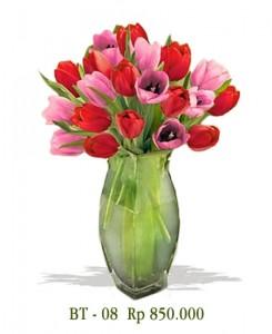 vas-bunga-tulip-merah-pink
