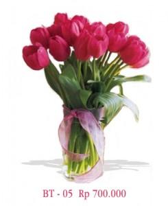 vas-bunga-tulip-pink