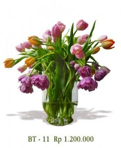 vas-tulip-ungu-orange-pink-kombinasi