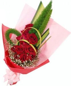 Hand Bouquet Valentine Bunga Mawar Merah3